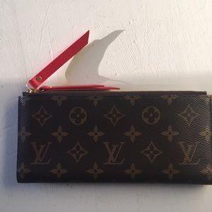 Handbags - Louis Vuitton Adele Wallet